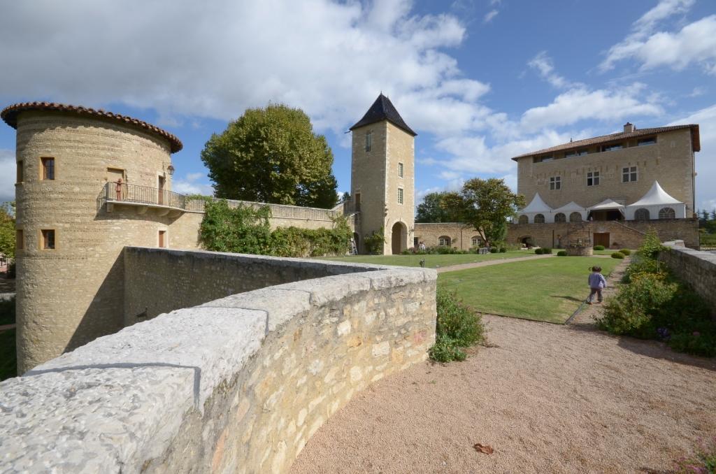 Château St Bernard 01