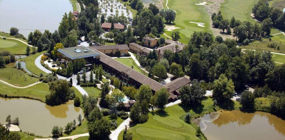 Domaine du golf du gouverneur  Monthieux vers LYON (69)