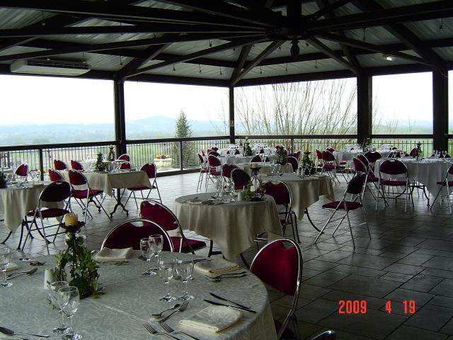 Salle de repas château Frontonas